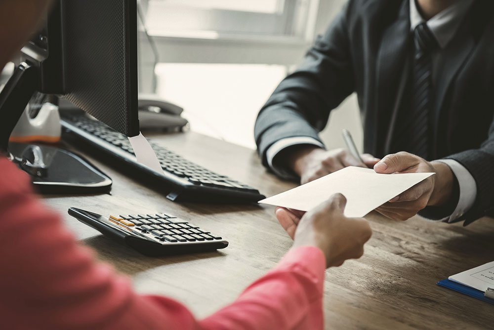 Comprovar renda para comprar um imóvel financiado.